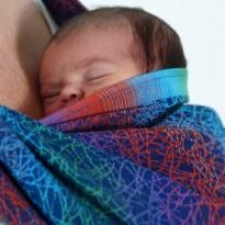 Fadenwerk Regenbogen - DIDYMOS šátek na nošení dětí
