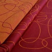 Šátek na panenky DIDYMOS Elipsy rubín-mandarinka